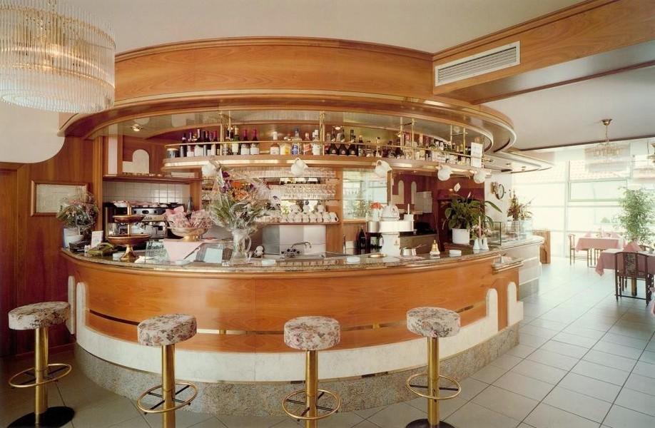 Arredamenti palazzin a verona bar pasticcerie gelaterie for Arredamenti verona