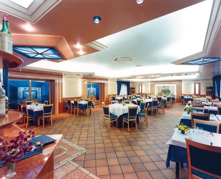 Arredamenti palazzin a verona ristoranti fast food for Arredamenti a verona