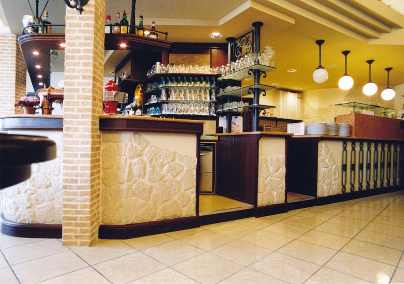 Arredamenti palazzin a verona ristoranti fast food for Arredamento fast food